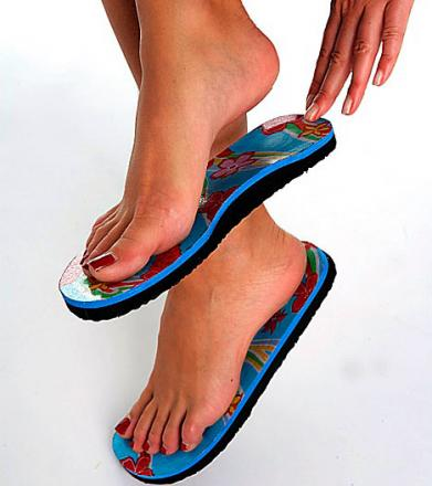 没有顶的拖鞋创意设计