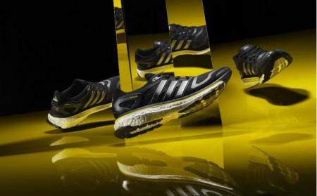 阿迪达斯最新抗震缓冲跑鞋创意设计