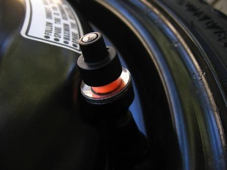 汽车轮胎气压指示阀创意设计