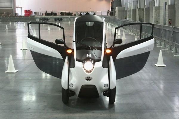 丰田i-Road电动三轮车创意设计