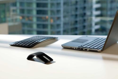 微软弧形鼠标创意,可弯曲或伸直