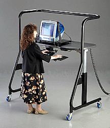 可调角度的电脑桌创意设计