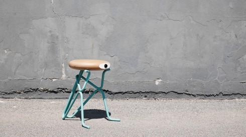 忧郁大眼凳子创意设计