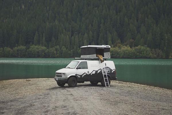 2万块钱就能在车顶上安家创意设计