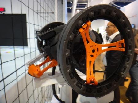 Parrot公司超级玩具—无人机与跳跳车创意设计