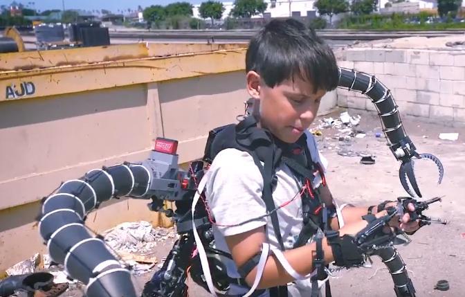 19岁小伙炒比特币赚千万创意,耗资300万研发章鱼机械臂创意设计