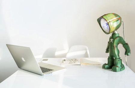 Lampster创意,钢铁侠造型台灯创意设计