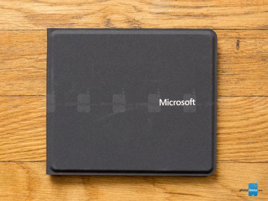 微软折叠式超薄蓝牙键盘创意设计