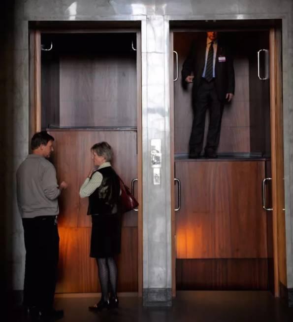 一款不需要等待的电梯创意设计