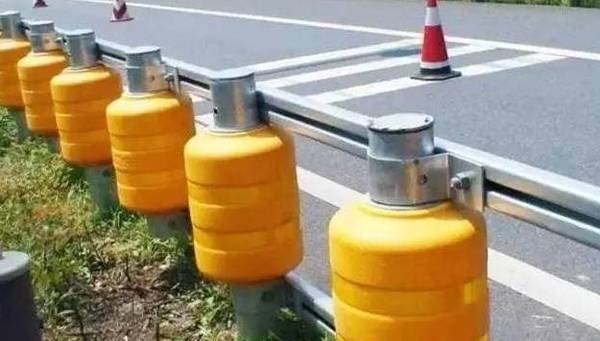 速公路新型防撞栏创意,有效降低事故伤害