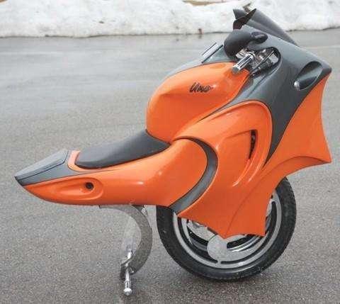 Uno一键变形电动摩托车创意设计创意,可在两轮与独轮之间切换