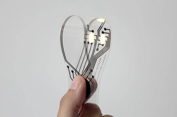 带LED灯的轻薄书签创意设计