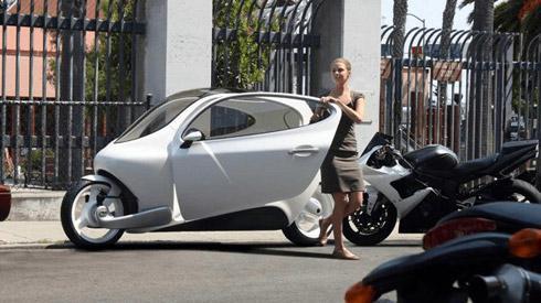 胶囊式未来电动车创意设计