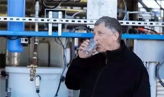 高科技马桶创意设计,不用冲水过滤后的尿尿还能直接喝
