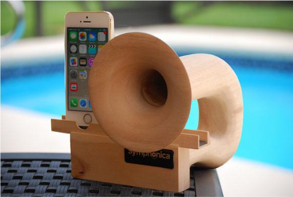 复古木质iPhone扬声器创意设计
