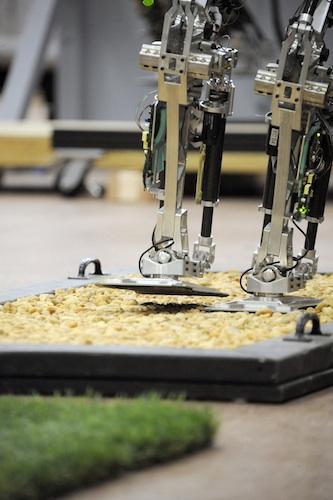 美国海军实验室(NRL)最新消防机器人创意设计
