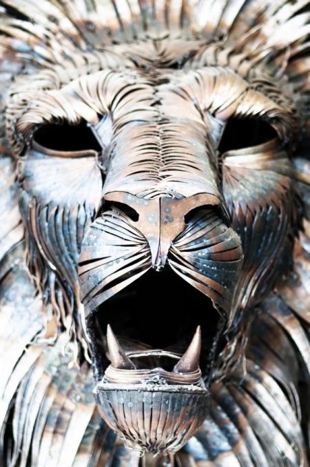 威猛钢铁雄狮创意设计