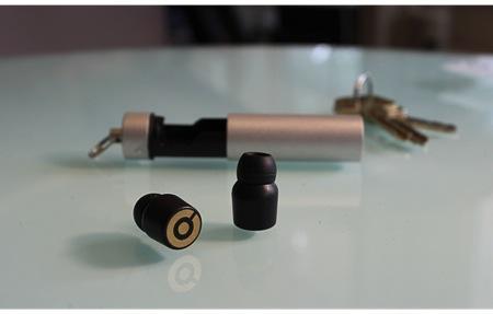袖珍入耳式蓝牙耳机创意设计