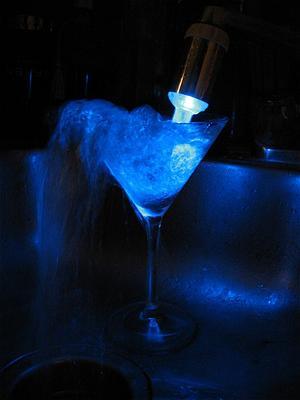 会发光的淋浴喷头创意设计