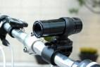 自行车上的摄影机创意设计