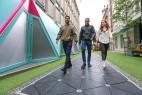 全球首条「智能街道」亮相伦敦:边逛街边发电创意设计