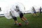 新奇好玩气泡足球创意设计