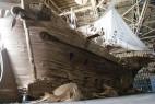逼真的巨型纸板海盗船创意设计